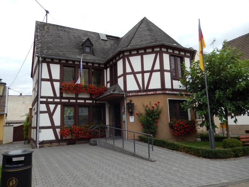 Rathaus Rheinbrohl 1