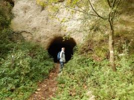 9 Trasshöhlen