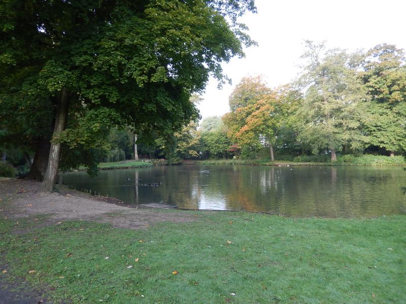 Schlosspark 1