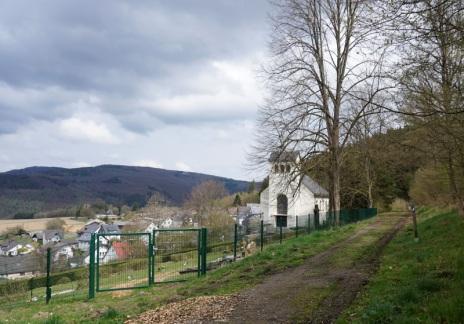 Friedhof, oberhalb von Katzenbach