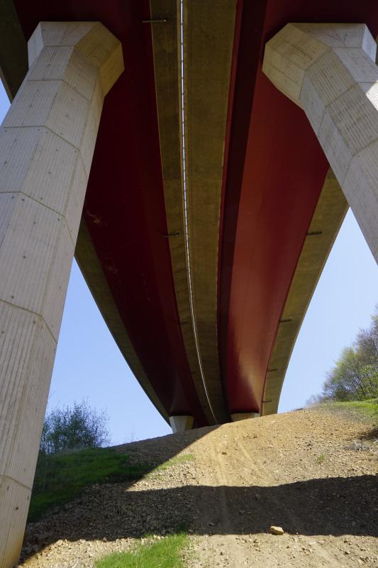 Beeindruckende Konstruktion, Brücke der A 8
